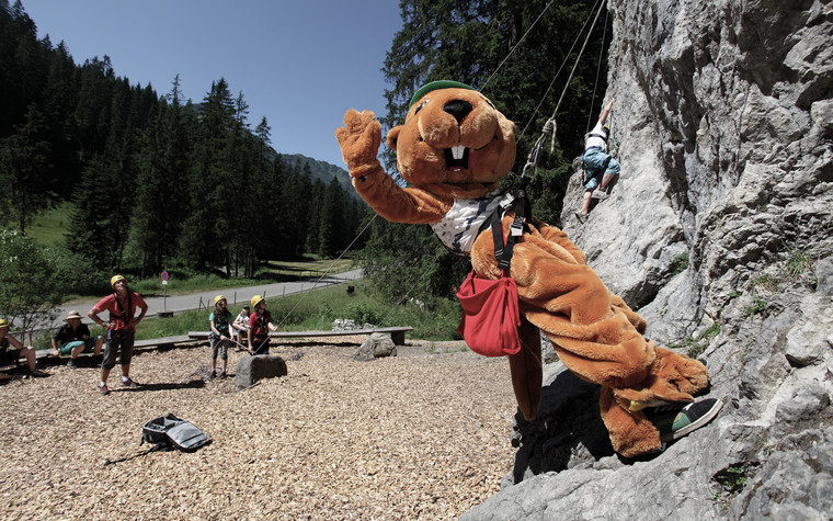 Burmi on the climbing rock | © Kleinwalsertal Tourismus eGen | Photographer: Frank Drechsel