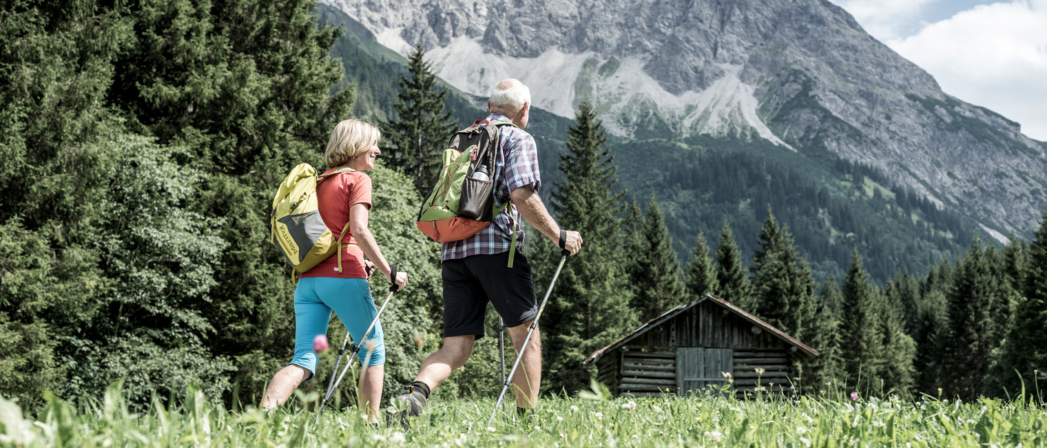 Hiking in Gemsteltal | ©  Kleinwalsertal Tourismus eGen | Photographer: Dominik Berchtold