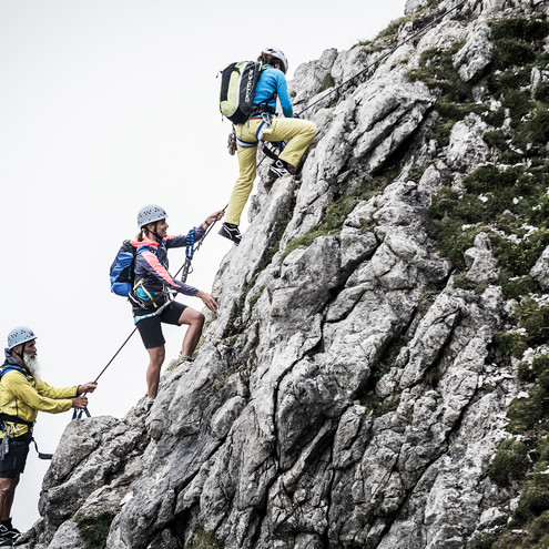 Via ferrata experience with the mountain school | ©  Kleinwalsertal Tourismus eGen | Photographer: Dominik Berchtold