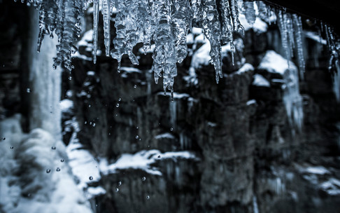 Icicles in the Breitachklamm | © Kleinwalsertal Tourismus eGen | Photographer: Dominik Berchtold