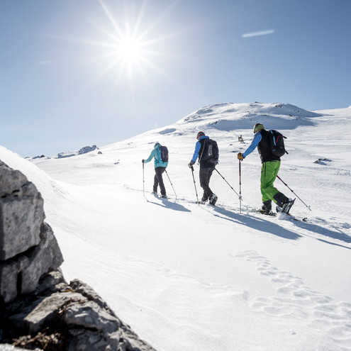 Snowshoeing at the Gottesacker | © Kleinwalsertal Tourismus eGen | Photographer: Dominik Berchtold