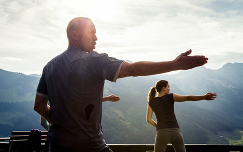 Yoga on the mountain | © Kleinwalsertal Tourismus eGen | Photographer: Oliver Farys