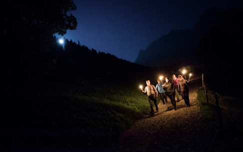 Torch walk to the energy place | © Kleinwalsertal Tourismus eGen | Photographer: Oliver Farys