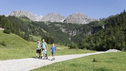 Hiking in the Wildental | © Kleinwalsertal Tourismus eGen | Photographer: Oliver Farys