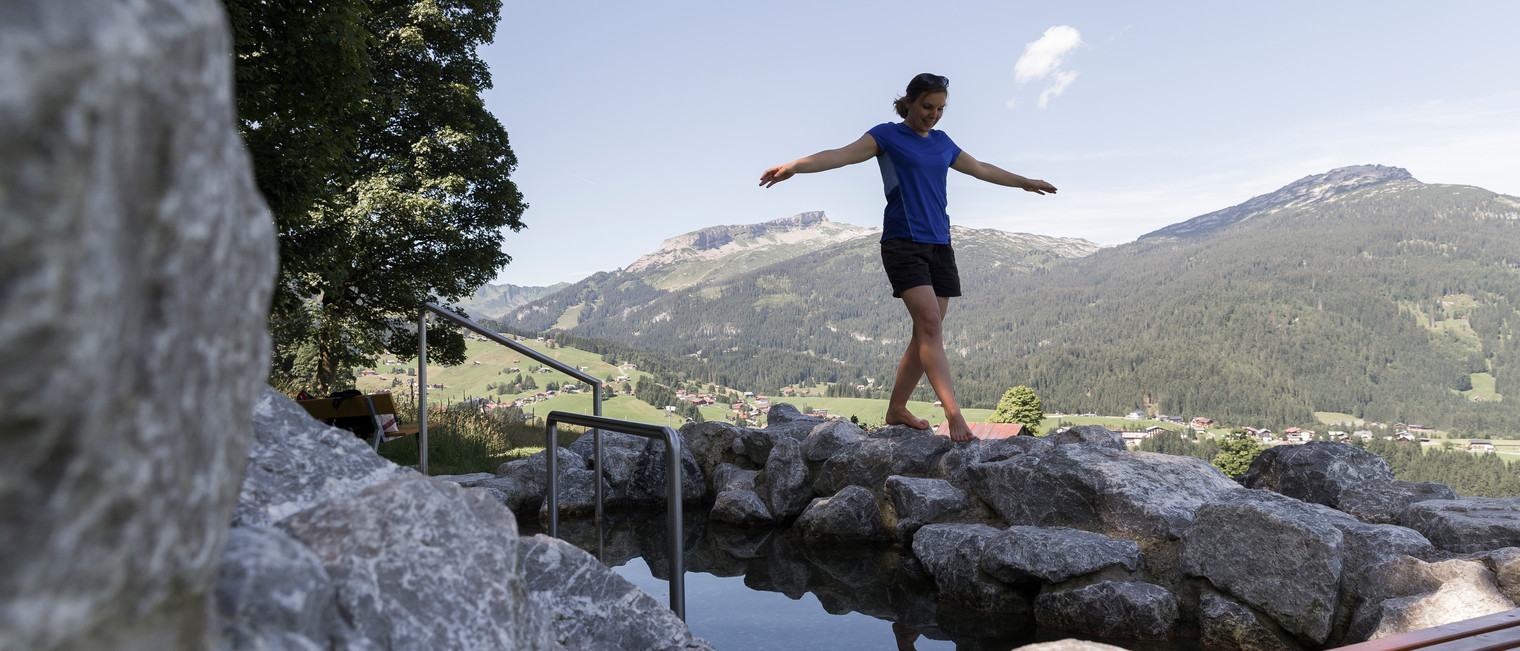 Relaxation at the Kneipp Schwandlift | © Kleinwalsertal Tourismus eGen | Photographer: Oliver Farys
