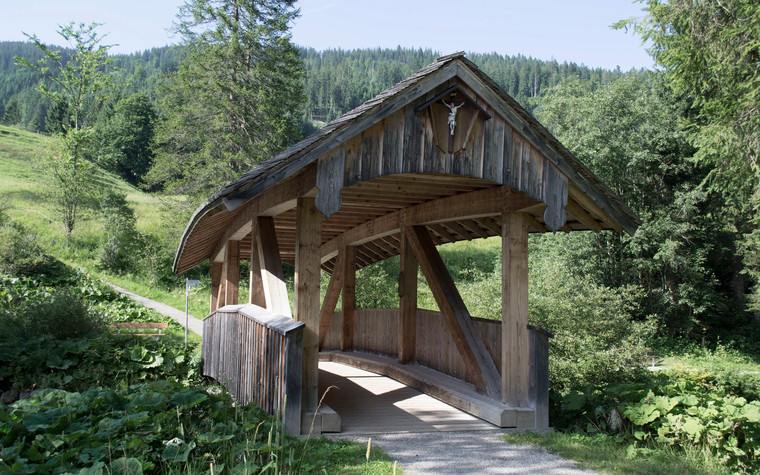 Historic Bridge in Riezlern | © Kleinwalsertal Tourismus eGen | Photographer: Katrin Berchtold
