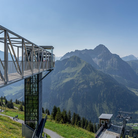 Panoramic elevator at the Walmendingerhorn | © Kleinwalsertal Tourismus eGen | Photographer: Steffen Berschin