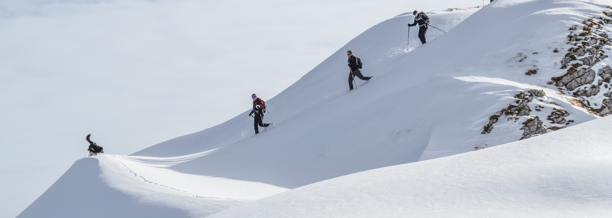 Snowshoeing in the mountains | © Kleinwalsertal Tourismus eGen