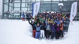 Participant group at the VAUDE ski touring camp | © Mountain World Oberstaufen | Photographer: Moritz Sonntag