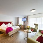 Photo of s, Double room, bath, toilet, balcony | © Hotel Erlebach Kleinwalsertal